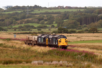 37087 and 37194 head 6M60 south towards St Bees. 08/08/11.