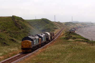 37229 and 37409 thrash past Nethertown on 6C46. 09/07/11.