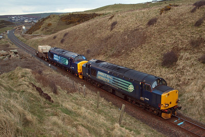 37608 leads 37402 into the cutting at Sea Mill, south of St Bees, 29/03/13.