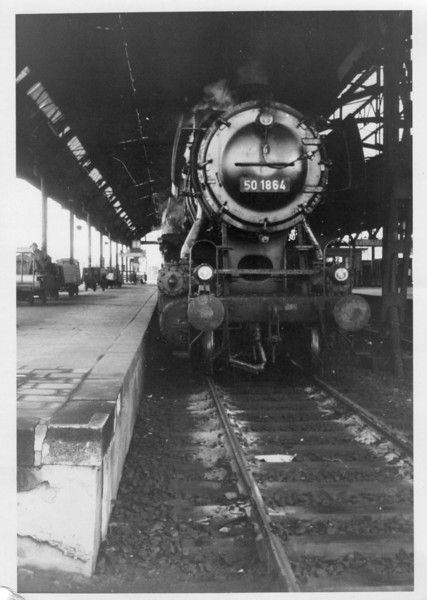 A surprising turn up was Class 50 2-10-0 50.1864 on a reported DMU service on 18.05.68. Here 50.1864 rests at Monchengladbach prior to her 18 07 departure for the Dutch border town of Kaldenkirchen.