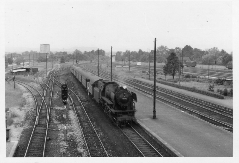 15 minutes after the previous photo was taken at Bad JF and 2-6-2 023.062-3 arrives with the 11 48 Stuttgart to Heidelberg service - she had taken over from an EL at Heilbronn.