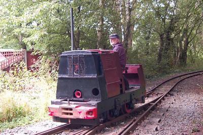 Tawd (RH222074/1943) heading onto the sidings behind Willow Tree Halt.