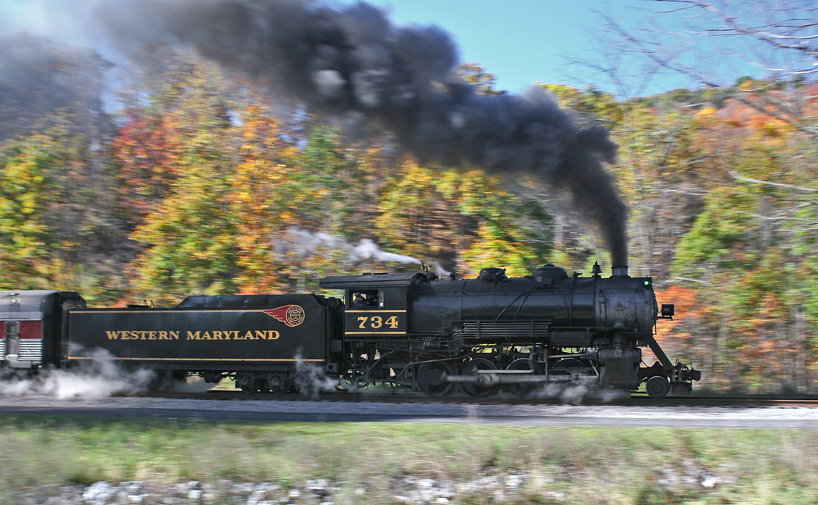 Panned shot of #734 steam train Western Maryland Scenic Railroad