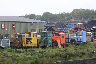"Another view of the locos on the scrap line: from left to right ""87025"" (MR 22238/1965), Alan Keef 26/1988, SO 39 (MR 7190/1937), Becky (MR 7215/1940) and Esk (MR 7498/1940)"