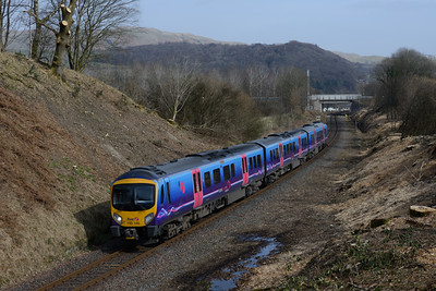 185146 passes Staveley with the 12.27 Oxenholme-Windermere 22/3/15.