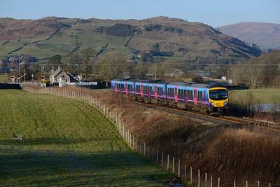 The Windermere branch shuttle leaves Staveley 28/12/14.