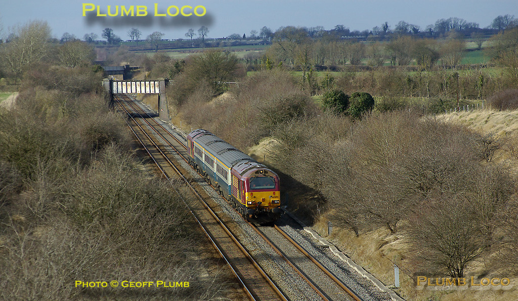 The southern part of the Wrexham & Shropshire crew training runs takes place between Banbury and Marylebone. Here, the afternoon working, 5Z23, 14:02 from Banbury is heading for the capital as it approaches the remains of Ardley station, with 67002 at the head and 67017 dead on the rear of the three coach train. 14:11, Wednesday 5th March 2008. Digital Image No. IMGP4003.