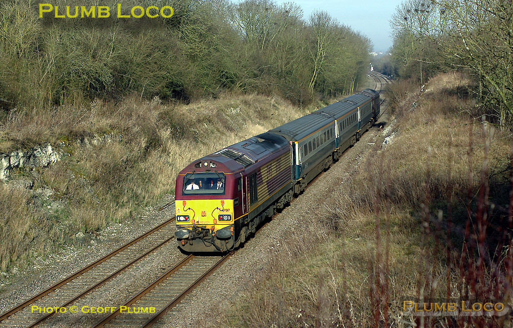 The WS&MR training runs continued on Thursday 28th February 2008, though the afternoon trains did not run. 67017 is at the head of 5Z63, 67016 on the rear, as the 08:33 from Banbury comes round the curve between Launton and Blackthorn, just south of Bicester, en route to Marylebone. Digital Image No. IMGP3957.