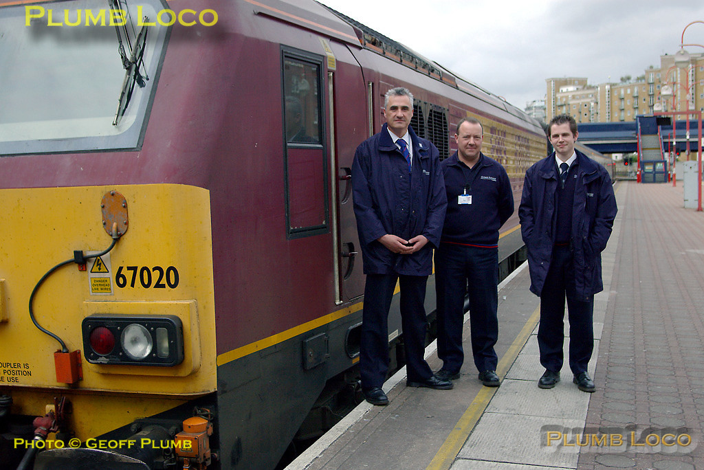 After arrival at Marylebone the crew of 67020 have shut down the engine and are about to take tea (from a flask!) in the train. From L to R, Driver Instructor Steve Roast, Driver Nigel Byrne and Driver Mike York. Wednesday 2nd April 2008. Digital Image No. IMGP4262.