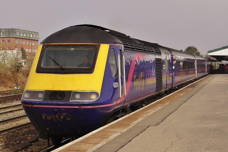 43034 & 43171 11:05 London Paddington to Plymouth at Westbury 19/3/2005.