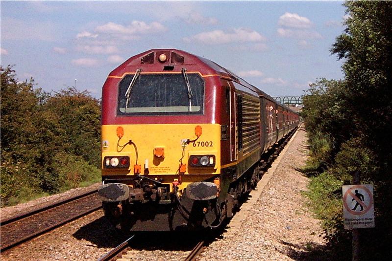 67002 09:51 Preston to Paignton at Worle 7/8/2004.