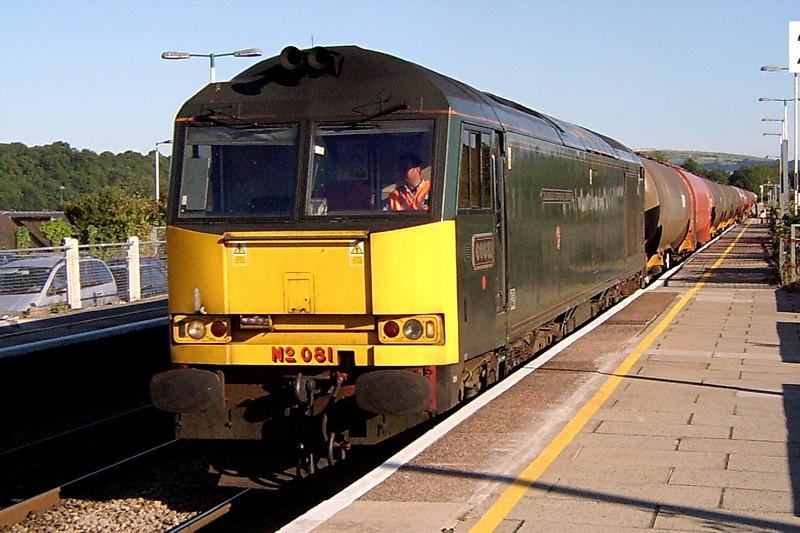 60081 6B13 Robeston to Westerlegh tanks at Bridgend 14/08/2003.