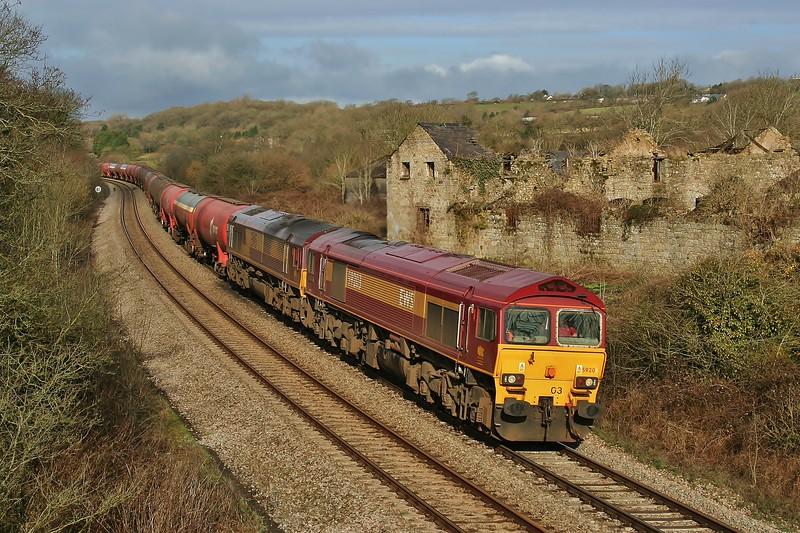 59203 Vale of Pickering & 66165 6B13 Robeston to Westerleigh tanks at Llangewydd Farm 27/03/2010.