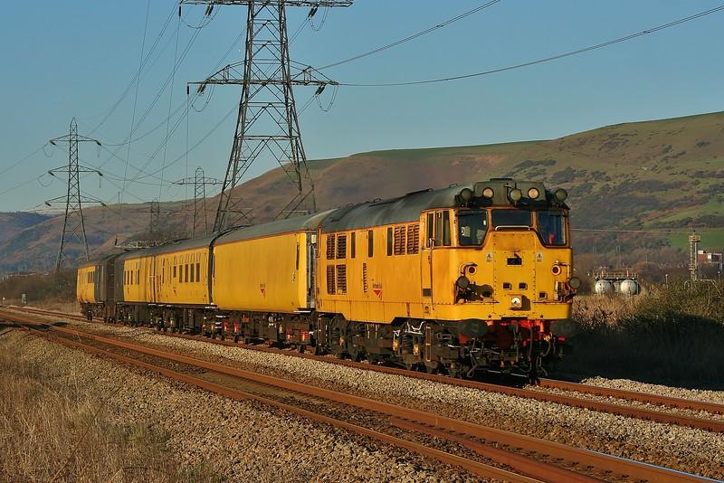 31285 1Q06 Landore to Alexandra Dock Junction structure gauging train at Margam 01/02/2012.