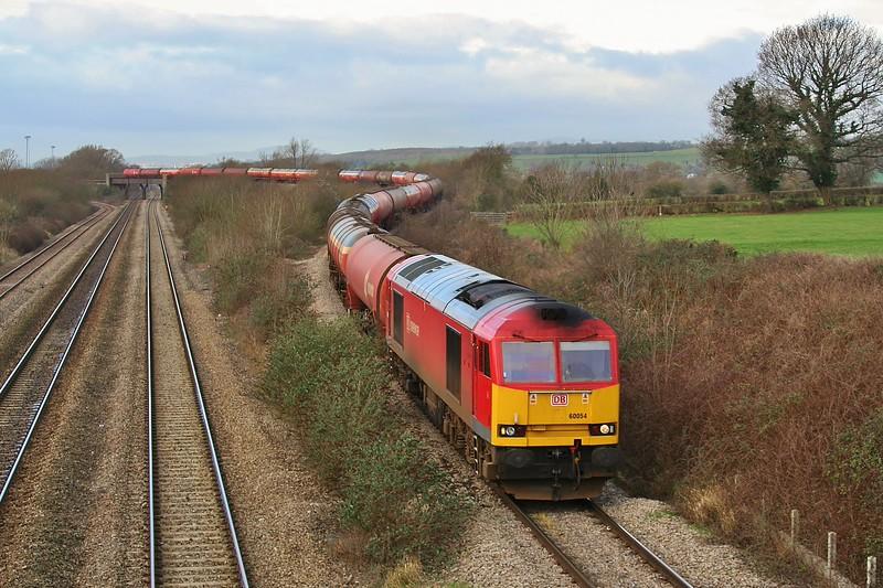 60054 6B13 Robeston to Westerleigh tanks at Bishton 23/01/2012.
