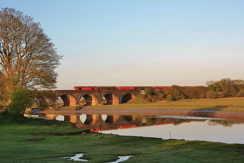 60017 6B13 Robeston to Westerleigh Murco tanks at Hendy Viaduct 01/05/13.