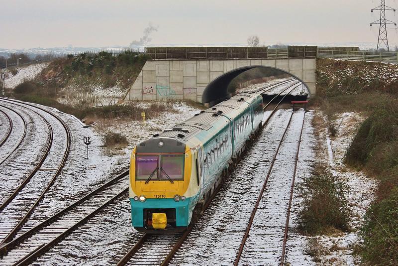 175116 1V70 05:55 Crewe to Carmarthen  at Llandeilo Junction 19/01/2013.