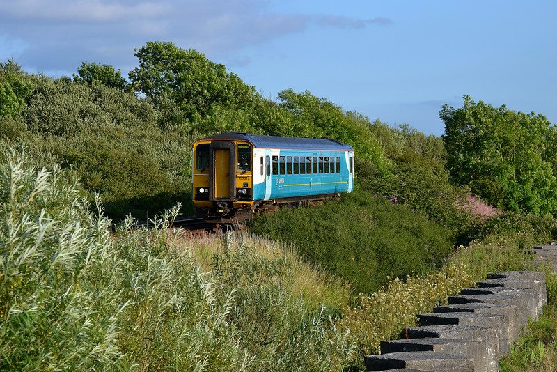 153312 2E72 18:37 Swansea to Haverfordwest at Kidwelly 20/7/14.