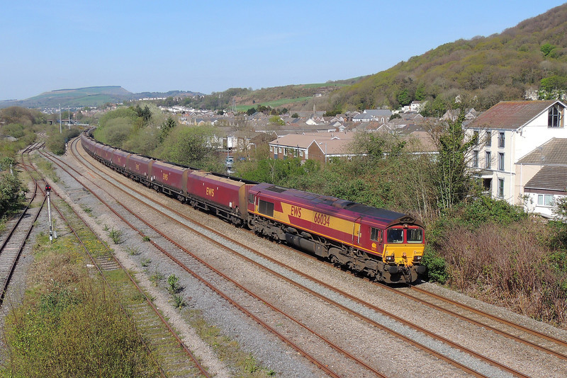 66034 6E09 Onllwyn to Immingham at Briton Ferry 15/4/14.
