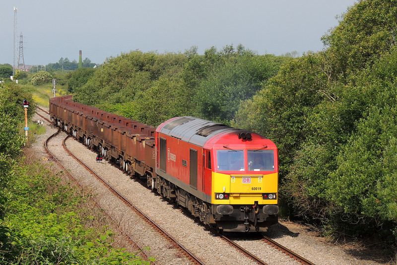 60019 departs Trostre with 6B61 for Margam 15/6/14.