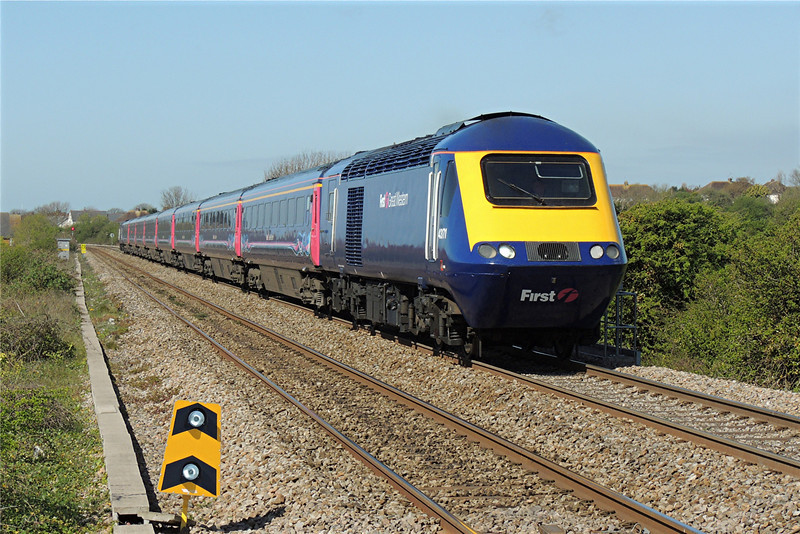 43171 & 43198 1L54 10:54 Swansea to London Paddington at Rhoose 13/4/14.