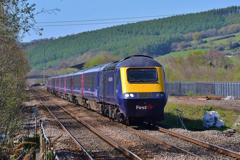 43004 & 43069 1L71 14:28 Swansea to London Paddington at Pontyclun 18/4/15.