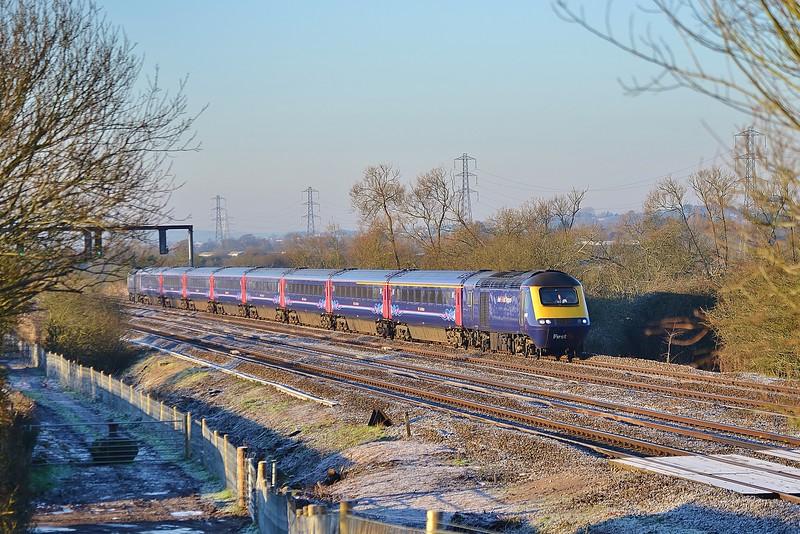 43189 & 43098 1L42 07:30 Carmarthen to London Paddington at Coedkernew 20/1/16.