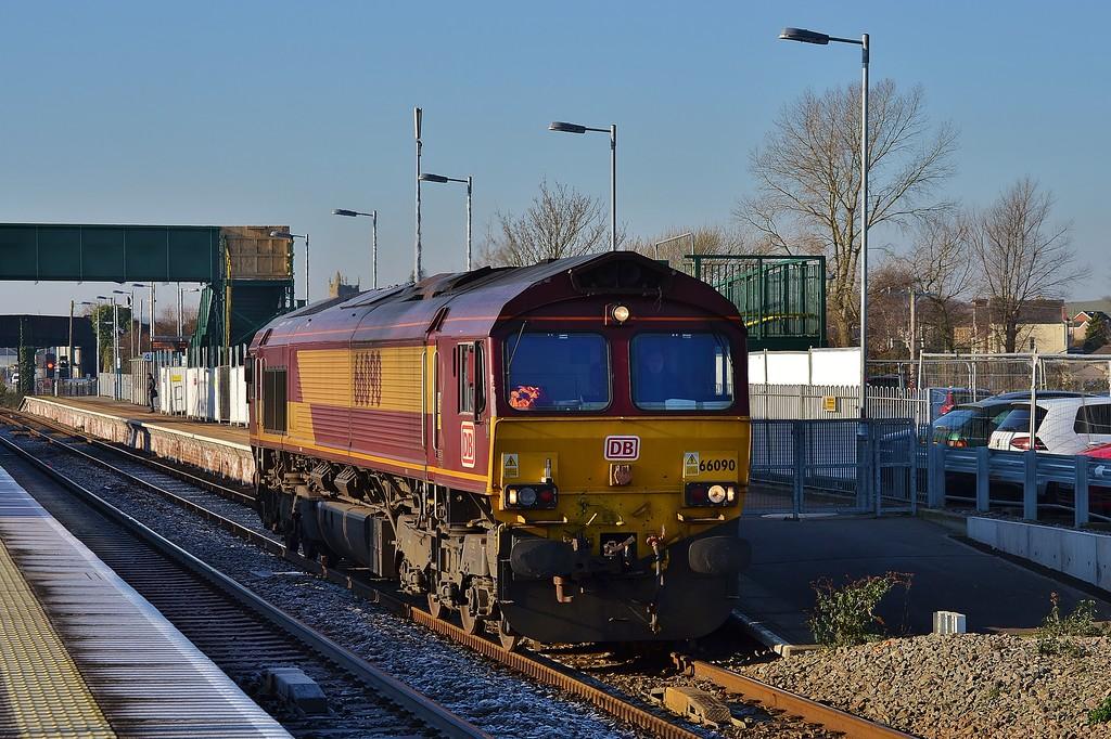 66090 0Z60 Newport ADJ to Bristol Barton Hill at Severn Tunnel Junction 20/1/16.