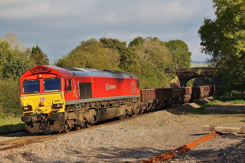 66097 6Y63 Penarth Curve South Junction to Crewe Basford Hall near Pencoed 22/10/16.