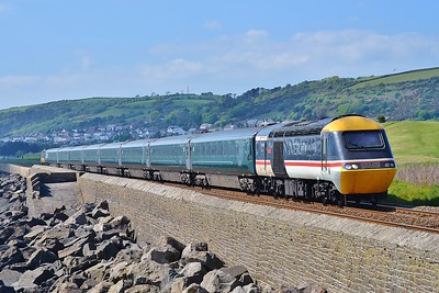 43185 & 43002 1L82 14:58 Carmarthen to London Paddington at Pwll 7/5/17.