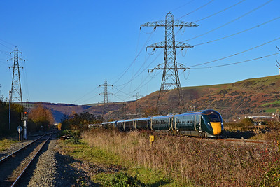 800027 & 800006 1L68 1424 Swansea to Paddington at Margam 18/11/18.