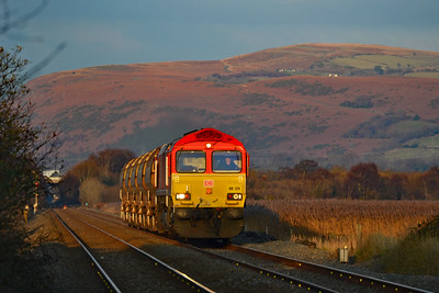 66124 1158 Hinksey Sidings to Duffryn West at Llangennech 25/11/18.