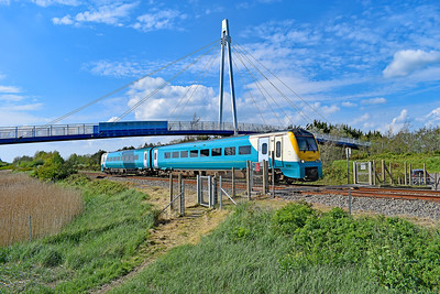 175007 1W70 1503 Carmarthen to Manchester Piccadilly at Loughor 7/5/19.