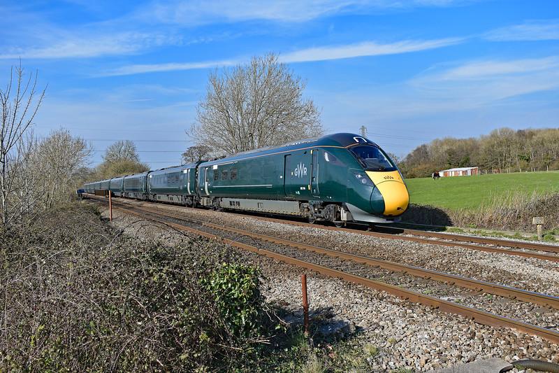 802104 1L71 1429 Swansea to Paddington at Pontsarn 30/3/19.