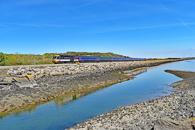 43185 & 43009 1B28 1133 Paddington to Carmarthen at Pwll 12/5/19. This was the last HST operated  service train from  London Paddington to Carmarthen.