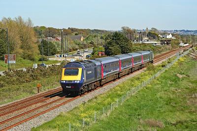 43086 & 43122 3Z92 1505 Swansea to Carmarthen at Loughor 14/5/19.