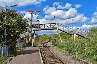 143609 2G62 1415 Maesteg to Cheltenham Spa at Tondu 11/5/19.