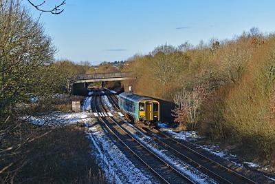 150217 2G56 0919 Maesteg to Gloucester near Pencoed 2/2/19.
