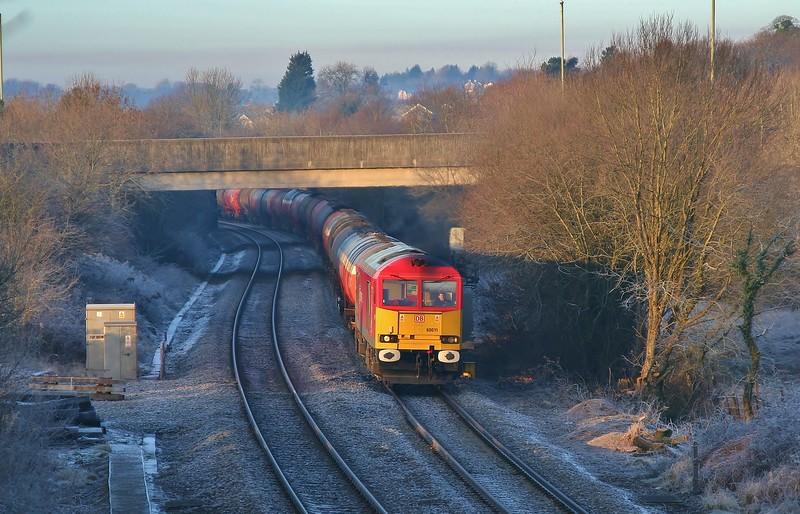 60011 6B13 Robeston to Westerleigh tanks near Pencoed 22/01/2011.