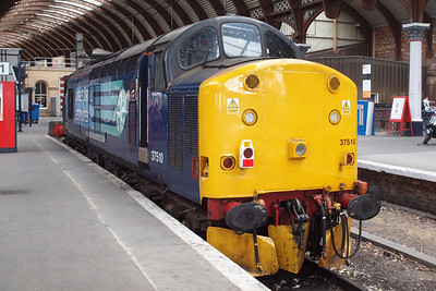 37510 sits on the blocks of York Platform 1, while Holgate Junction is remodelled, meaning that the Parcels Sidings are inaccessible.
