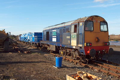 20303 looking tatty on the rear of 3S21, 07/10/12.