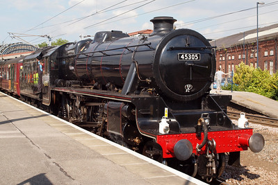 45305, LMS Black 5 5MT 4-6-0, with a charter at York.