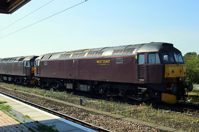 47760 and 47245 sit in the parcels sidings at York.