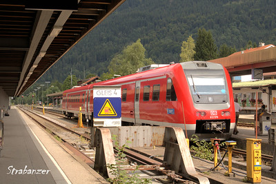 Oberstdorf, Germany,  08/20/2017 BR 612   tilting diesel multiple unit of DB.   (RegioSwinger)  Operated as regional express and InterRegio Express. The maximum tilt is 8°. This work is licensed under a Creative Commons Attribution- NonCommercial 4.0 International License