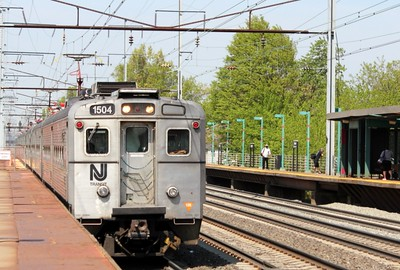 Westbound NJ Transit local, Elizabeth, NJ