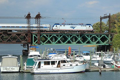 Eastbound Amtrak crossing Norwalk River