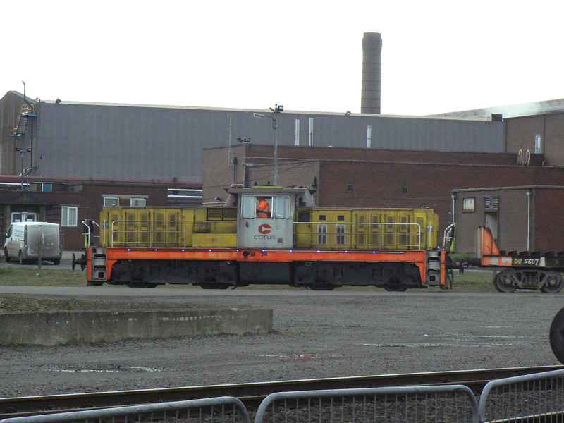 '74' (Hunslet HE 7285) passing the AFRPS Shed, Scunthorpe Steelworks. Saturday 3rd April 2010.