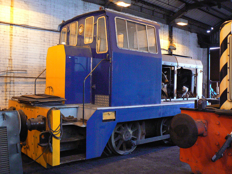 'DL15' (Hudswell Clarke HC D1344) at the AFRPS Shed, Scunthorpe Steelworks. Saturday 3rd April 2010.