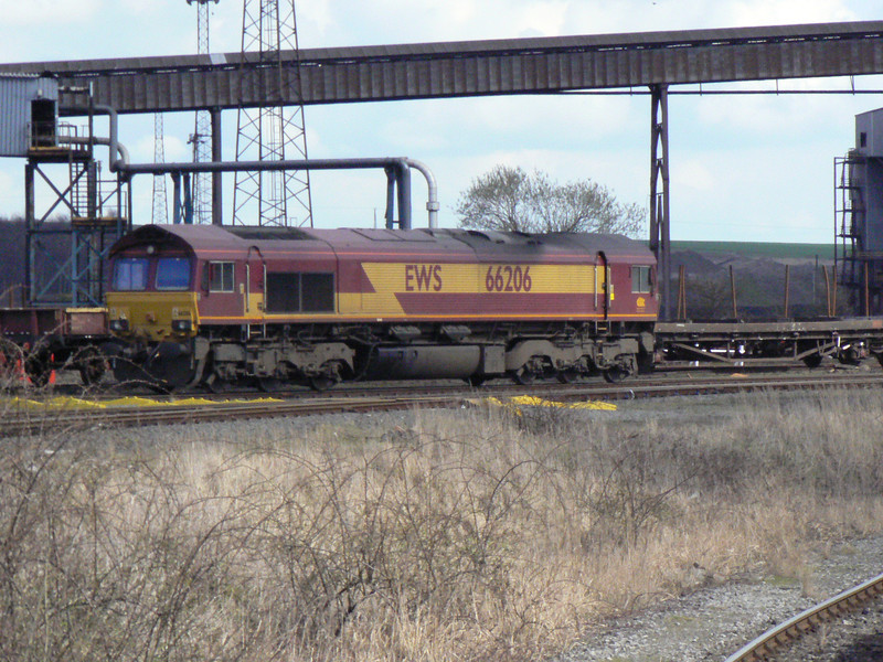 66206 in Scunthorpe Anchor Sidings. Saturday 3rd April 2010.