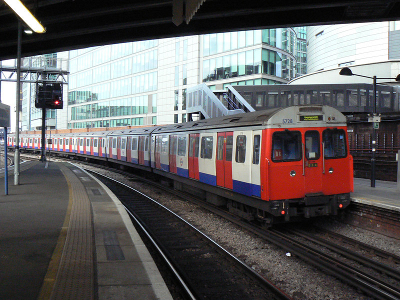 LUL C Stock 5728 departing Paddington with a Hammersmith and City line service to Hammersmith. Sunday 13th January 2013.
